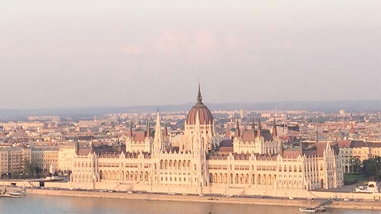 Hongaars Parlementsgebouw Boedapest