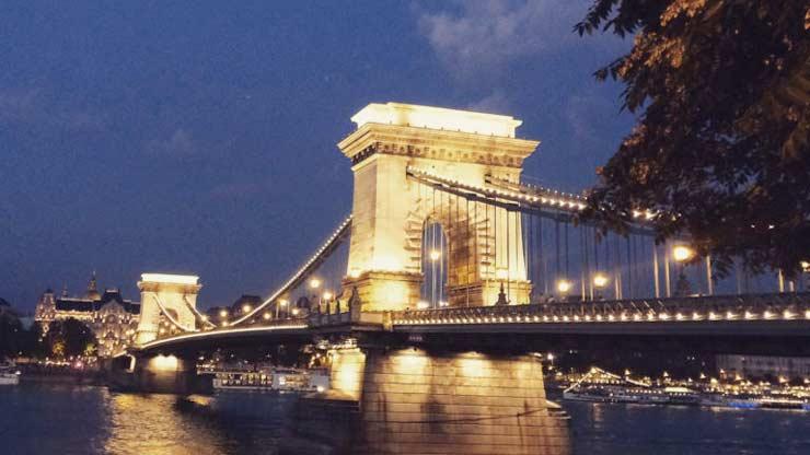 wat te doen in Boedapest Kettingbrug