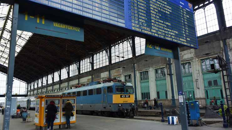 trein hongarije
